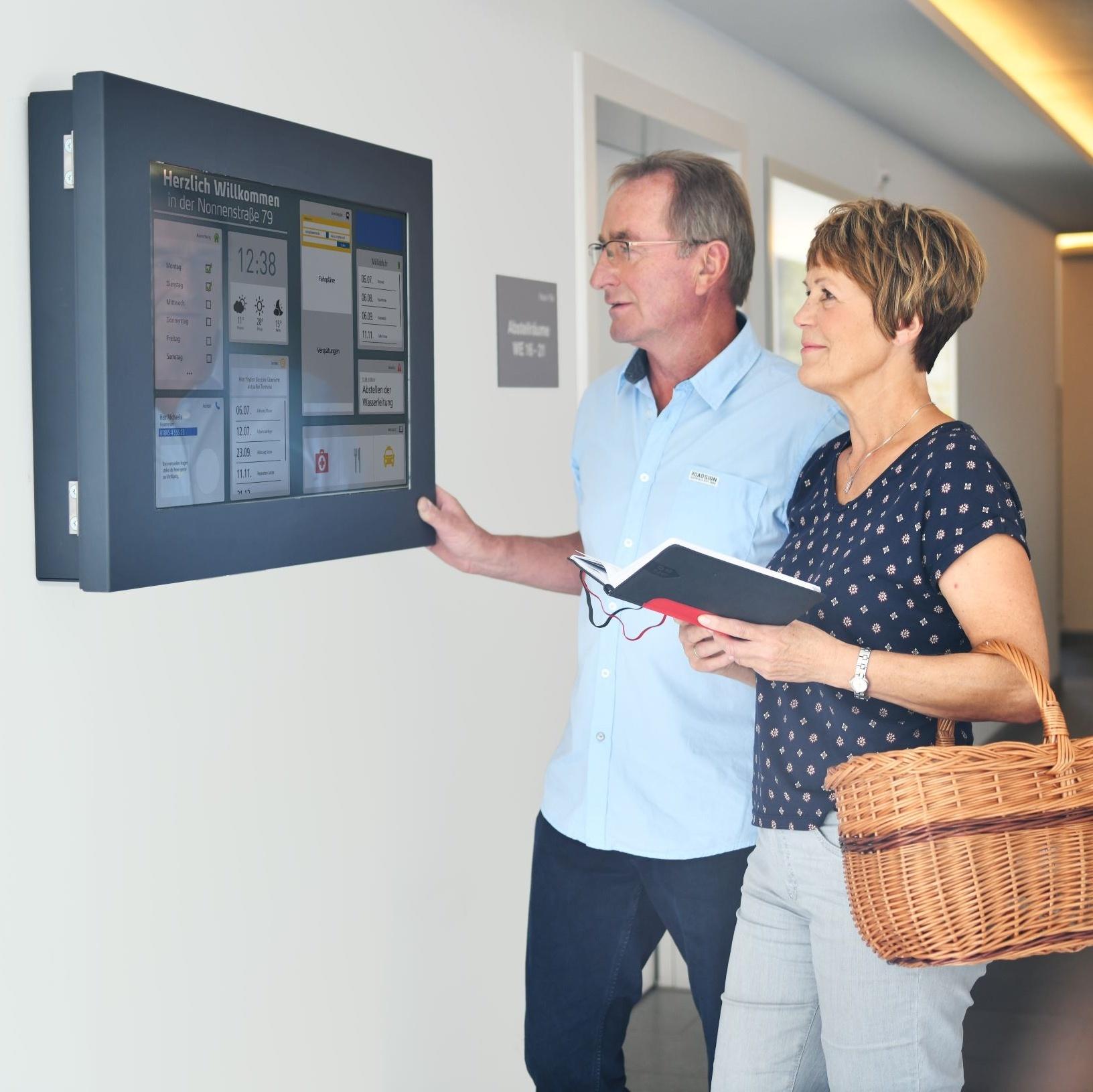 Einfach digital – Mit den Smart Infoscreens erfolgreich zum Impftermin